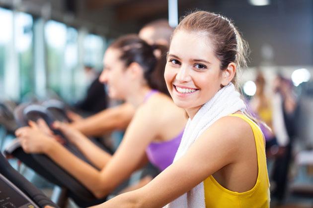 Tập thể dục thường xuyên không chỉ giúp thu nhỏ vòng eo của bạn mà còn thúc đẩy da khỏe hơn.