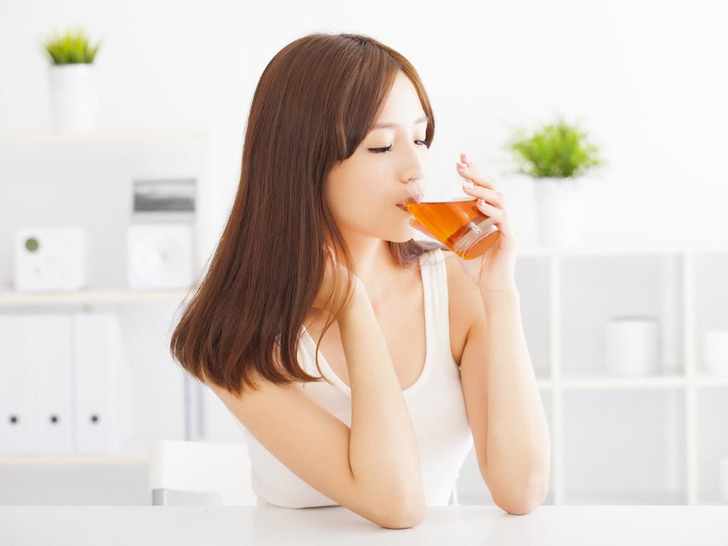 uống nhiều trà xanh còn loại bỏ mỡ thừa, duy trì vóc dáng thon gọn, khỏe mạnh.